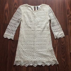H&M white embroidered dress Sz Small